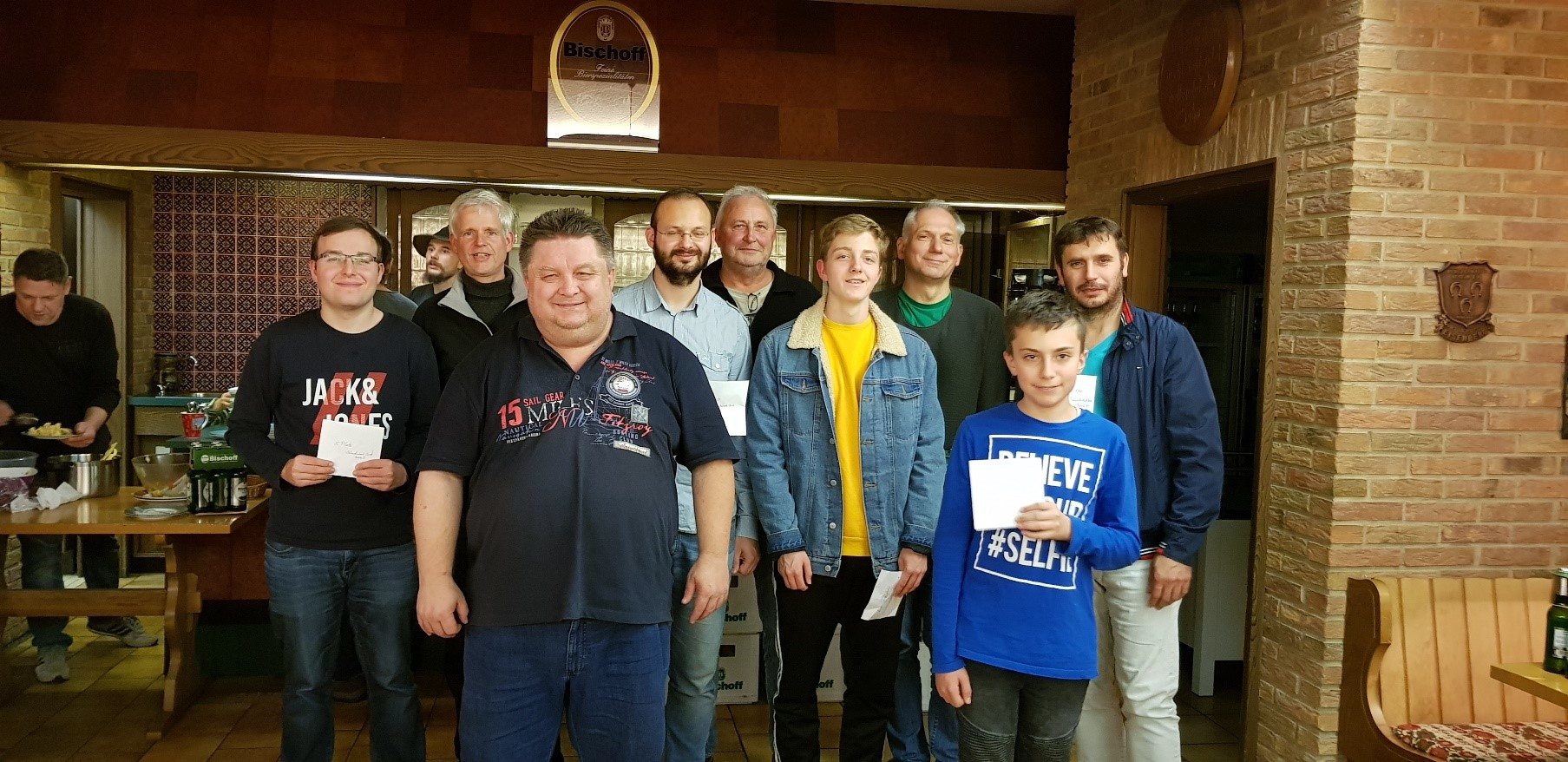 Die Sieger von links nach rechts: Philipp Rölle, Ingo Bruch, Johann Brittner, Oleg Yakovenko, Dieter Walther, Ole Brunck, Thorsten Hupprich, Lukas Becker und Avni Osmani.